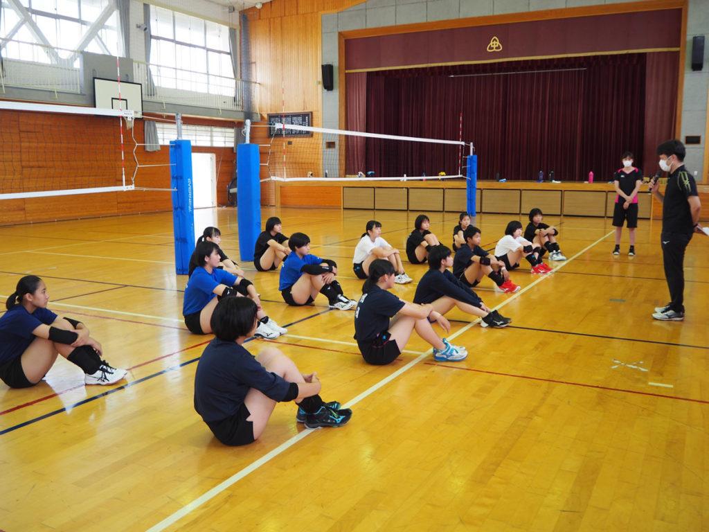 ヴィクトリーナU16バレーボールスクールを開校しました